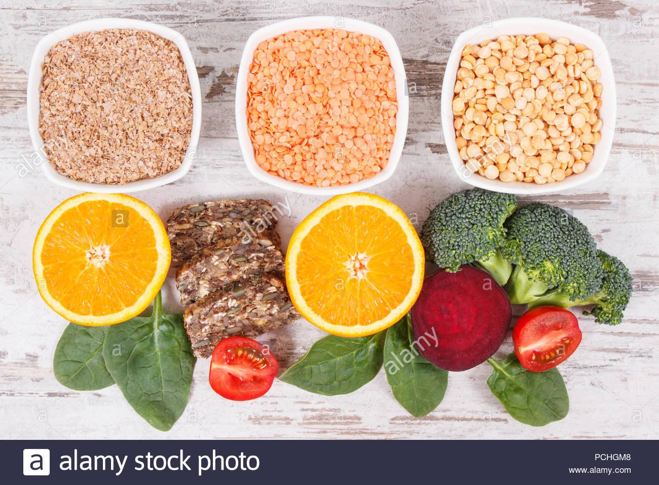 ssiimm alimentos nutritivos como fonte de vitamina b9 fibras dieteticas acido folico e minerais naturais conceito de estilos de vida saudaveis pchgm8 - درمانهای خانگی «سندرم تخمدان پلی کیستیک»