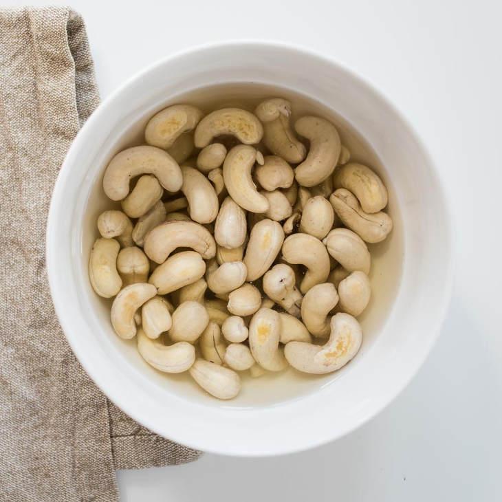 ssiimm keto cashew cheese square 3 - فواید و مضرات بادام هندی
