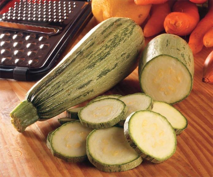 ssiimm abobrinha1 - چه سبزی هایی نفاخ نیستند