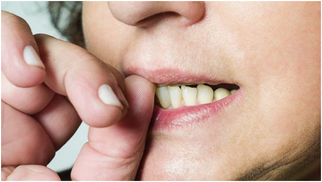 ssiimm nailbiting - راه و روش ترک عادت ناخن جویدن